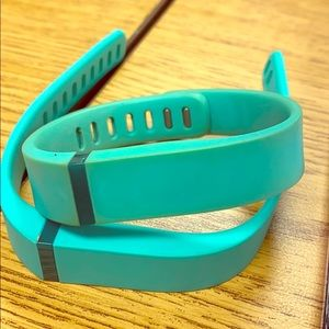 Fitbit w/ turquoise band cover included & charger